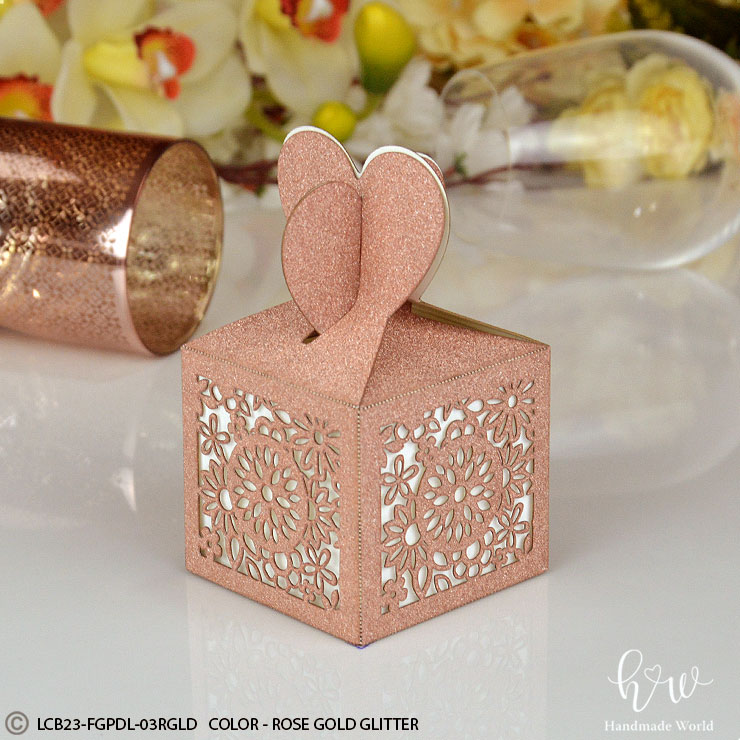 Truffle Favor Box, Outdoor Wedding Arbor, Red Rose Invitations, Summer Wedding 2017, Silver Wedding Theme, Wedding Hairstyles Half Up Half Down With Curls, Black And Gold Weddings, Beach Reception Ideas, Table And Chair Decorations For Weddings, Wooden Archway For Wedding, Sea Theme Wedding, Marsala Wedding Color, Beach Wedding Centerpiece Ideas, Rustic Beach Wedding Invitations, Rustic Theme Bridal Shower, Best Way To Plan A Wedding, Bridal Half Up Half Down, Updos For Wedding Bride, Down Hairstyles For Weddings